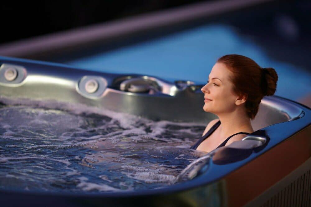 30 Minuten Whirlpool-Pflege - Filterwechsel für klares Wasser