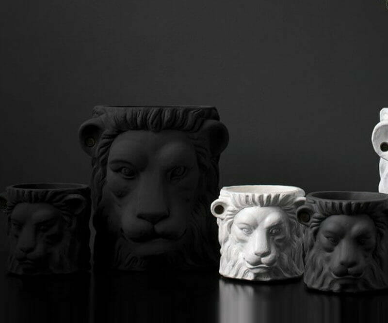 Garden-Glory-Lion-Pot-SMALL---Black-spadeluxe-2